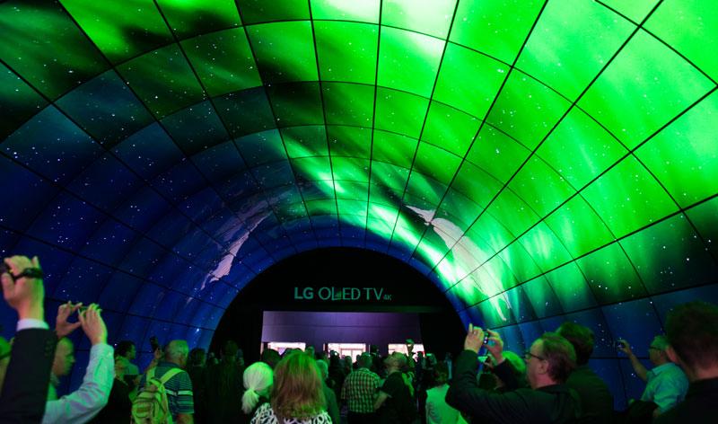 LG OLED Tunnel