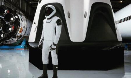 spacex crew dragon spacesuit