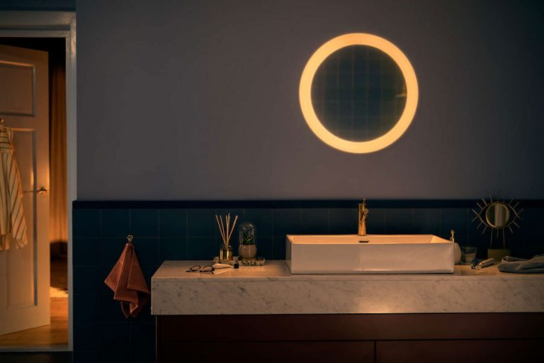 Philips-Hue-Adore-Mirror-for-your-Bathroom-768x512