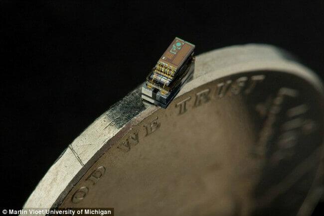 Micro-Mote-The-smallest-computer-in-the-world