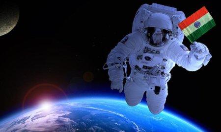 astronaut-indian-flag