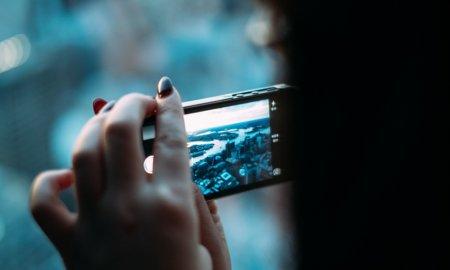 smartphone blue light eyes study science