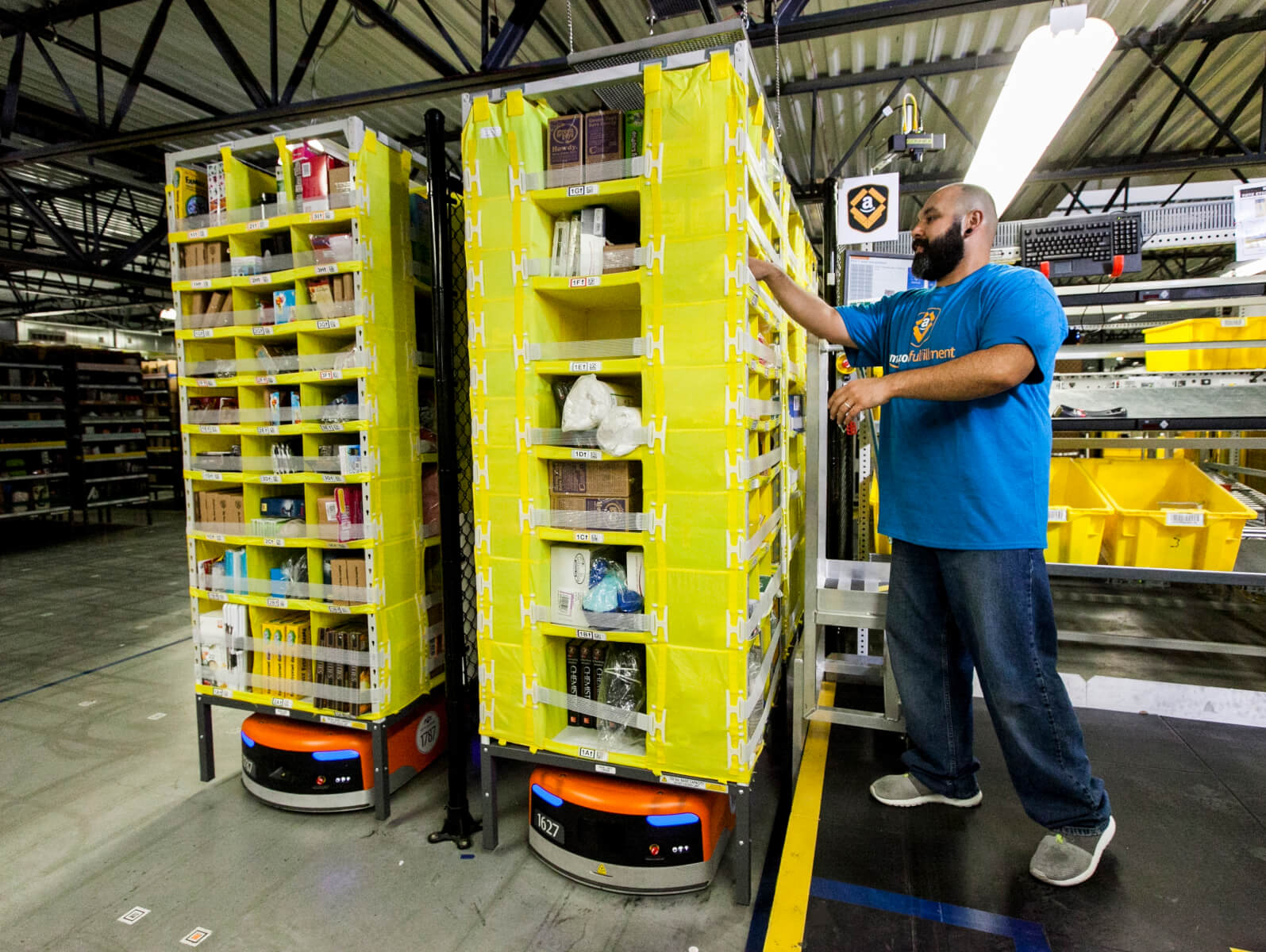 amazon-raises-minimum-wage-for-employees