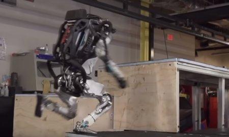 atlas-robot-is-doing-parkour