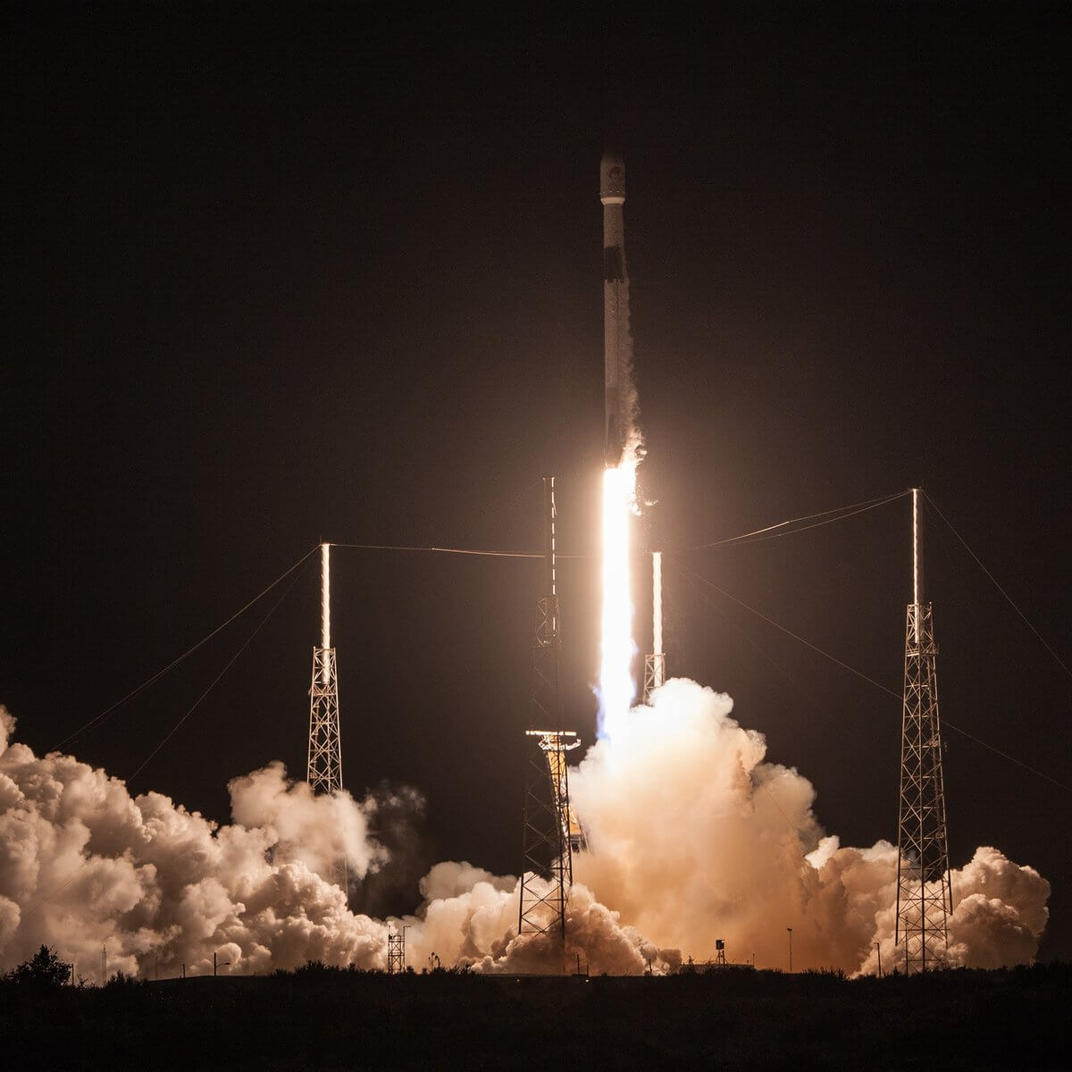 spacex-breaks-four-records