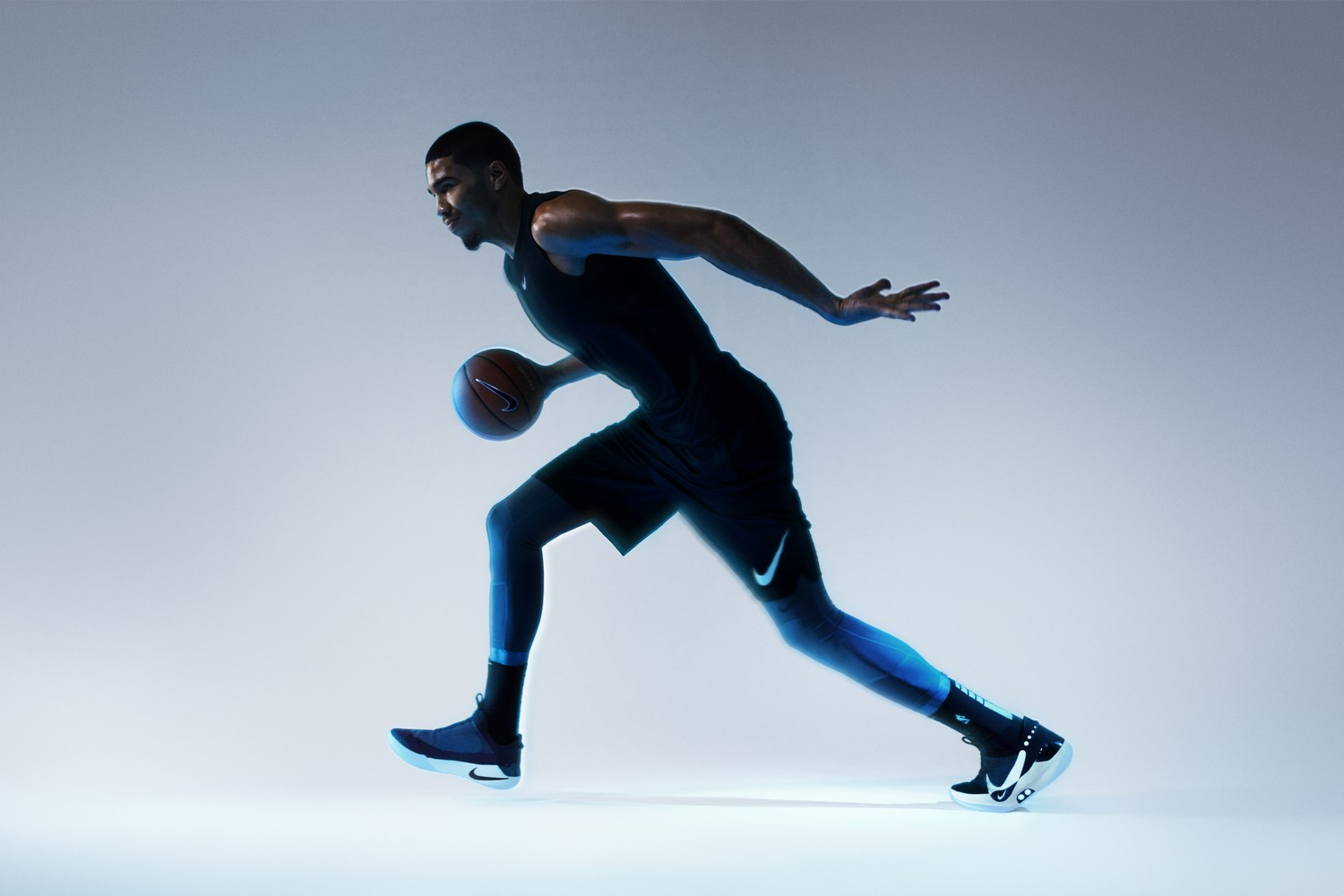 nike-adapt-bb- smart-shoes