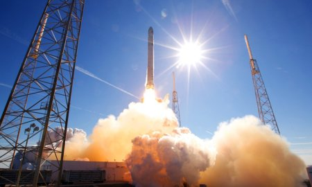 spacex-rocket-firing-iss