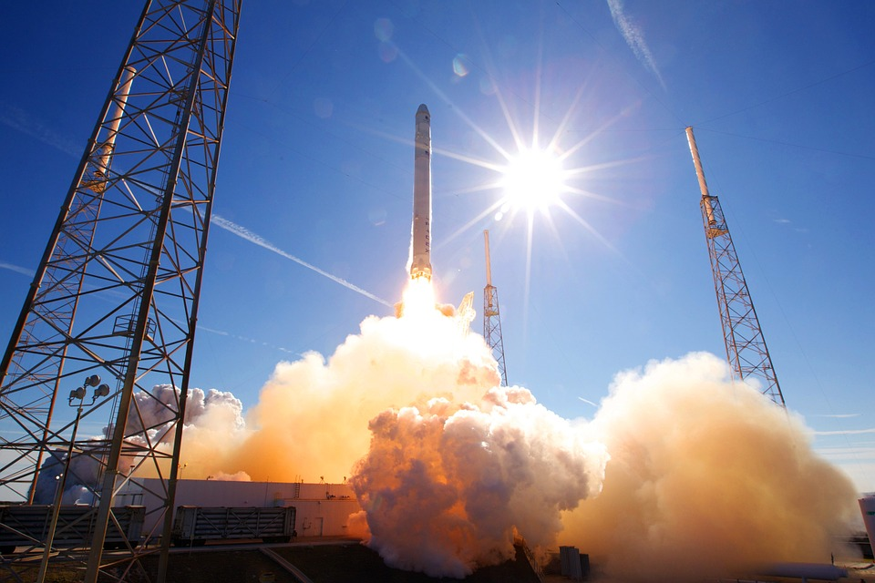 spacex-rocket-firing-iss