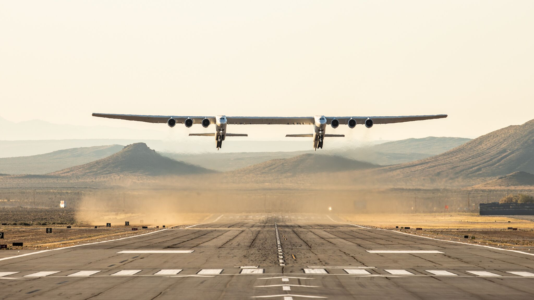 stratolaunch-largest-airplane-maiden-voyage