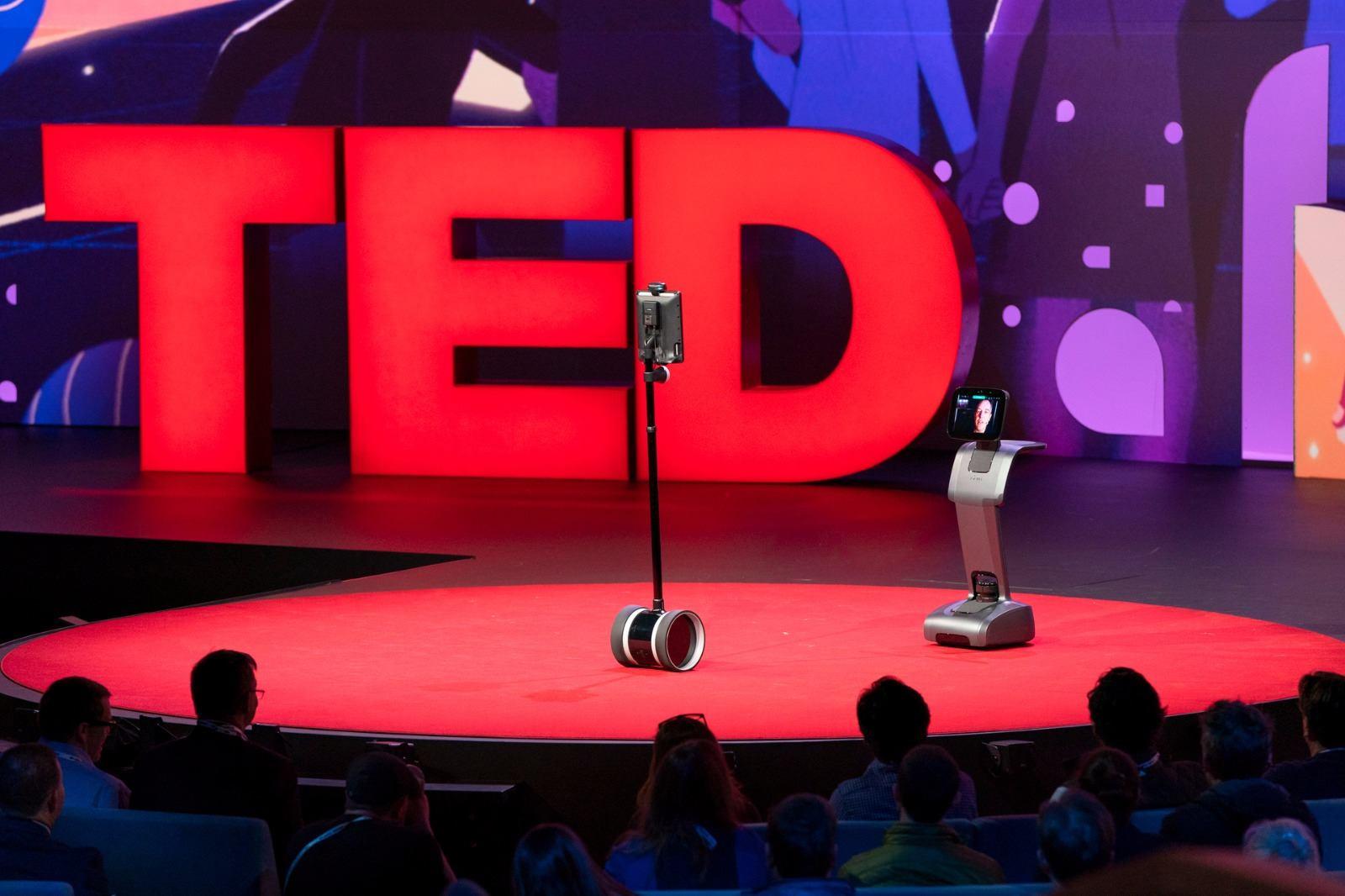 테드 토크 로봇