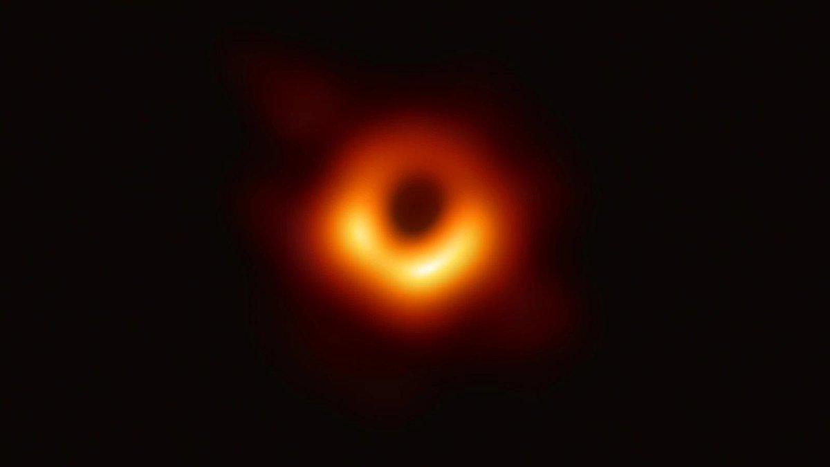 black-hole-photo-mit