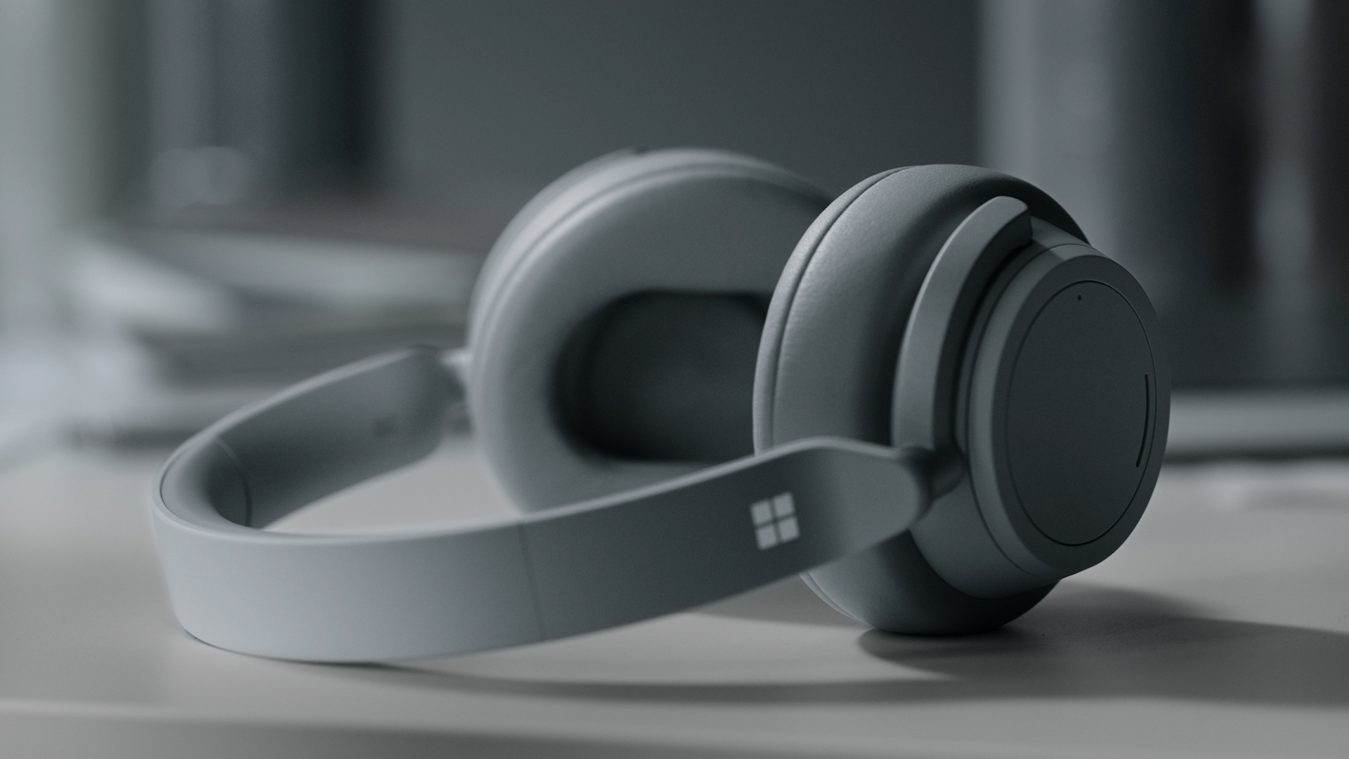 microsoft-allegedly-working-on-surface-earbuds