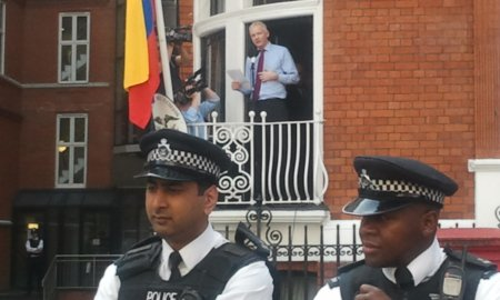 julian assange ecuador embassy