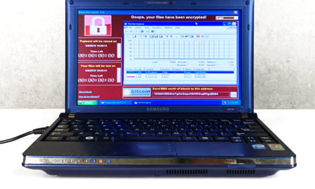 laptop-filled-with-6-malware