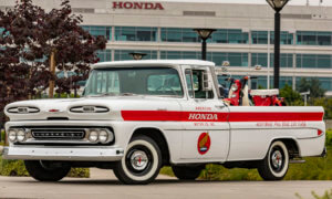 honda-restores-chevy-apache