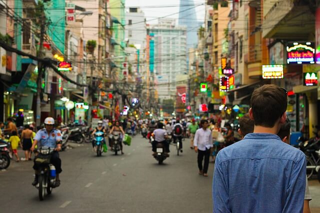 china-installs-malware-on-tourist-phones