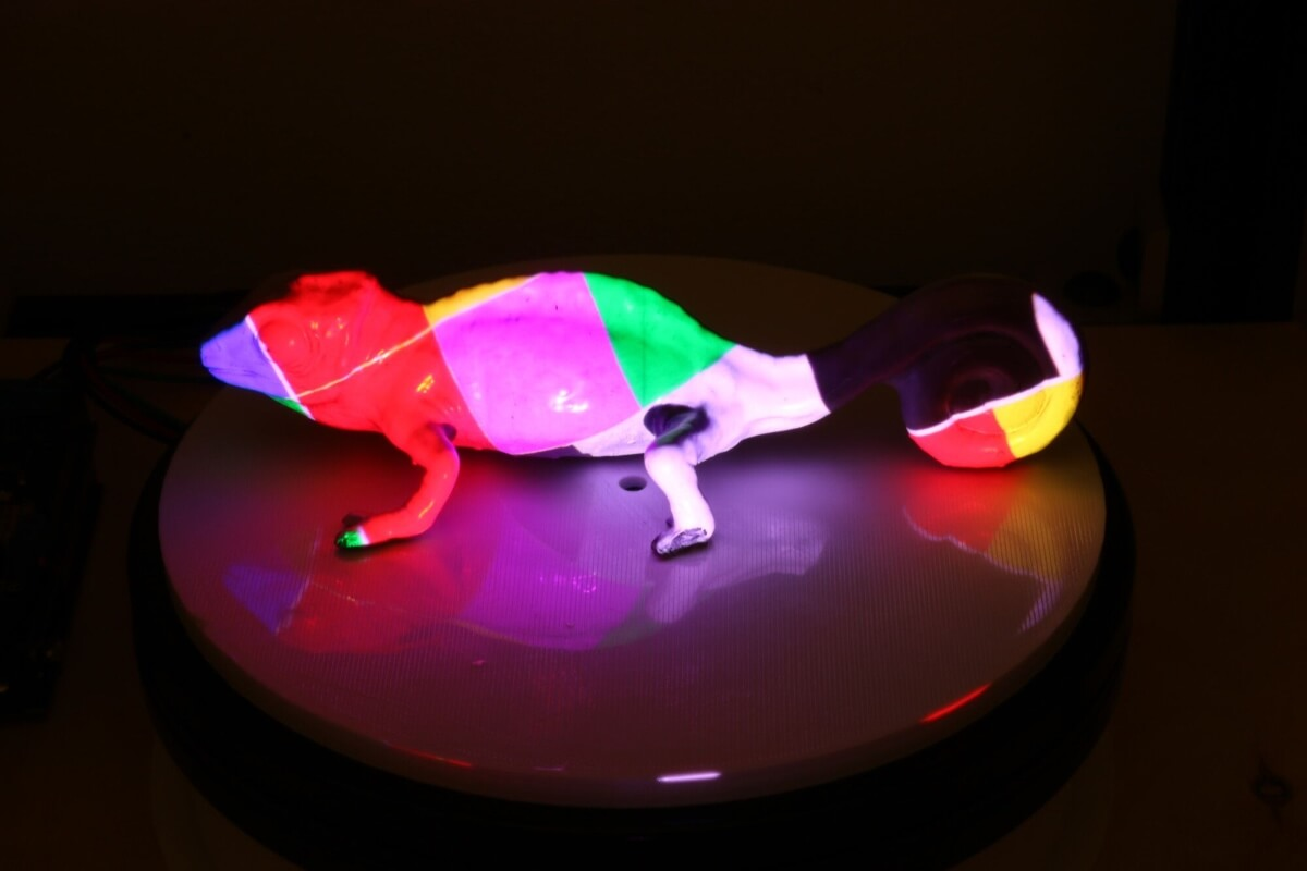 mit research photochromeleon color changing ink