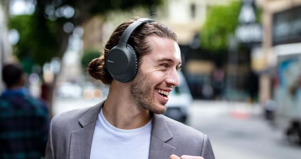 sony WH-CH710N noise cancellation over ear headphones