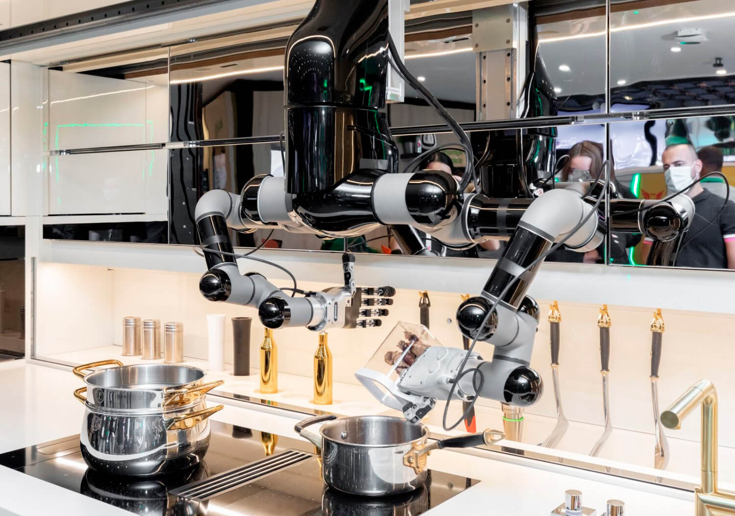 Watch: The Moley Robotic Kitchen Can Do Almost Everything, Even Clean Itself!