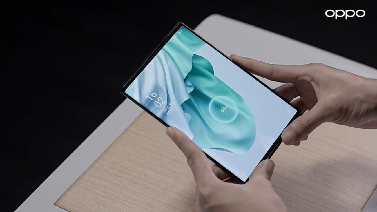 Oppo Air Charging Demos on Oppo X 2021 Rollable
